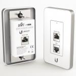 UniFi AP In-Wall. Punto de Acceso en 2.4 GHz, 802.11b/g/n, PoE.